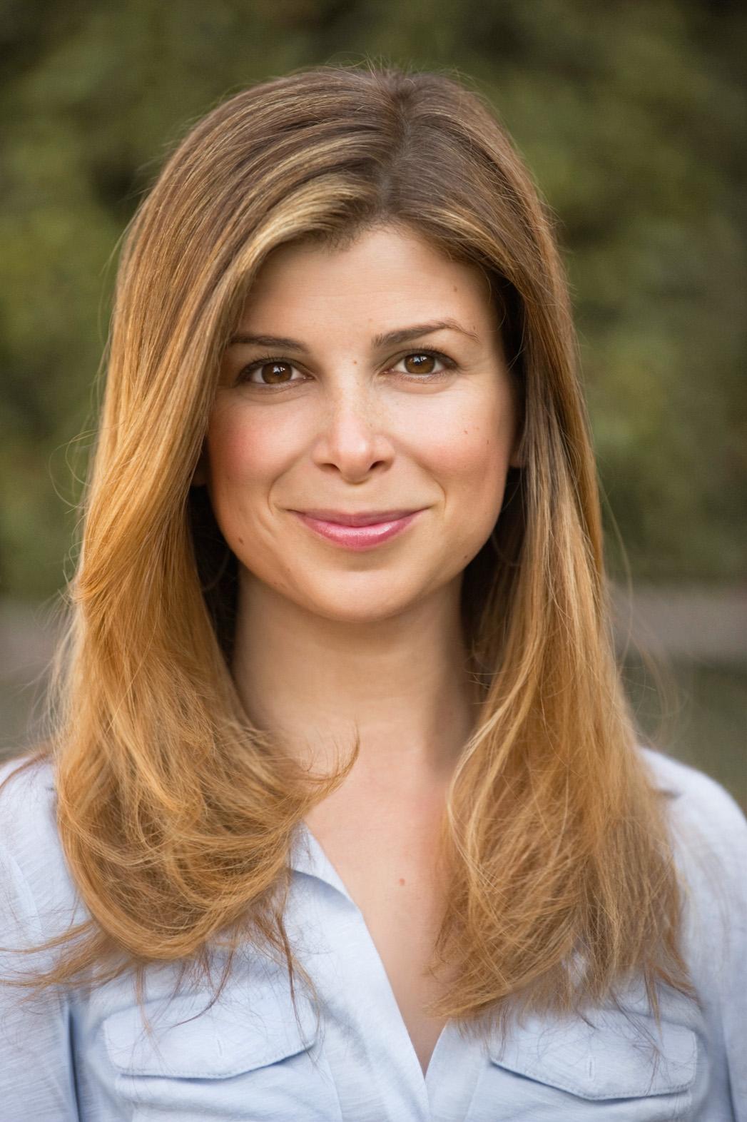 Laura Dave Author Headshot - P 2014