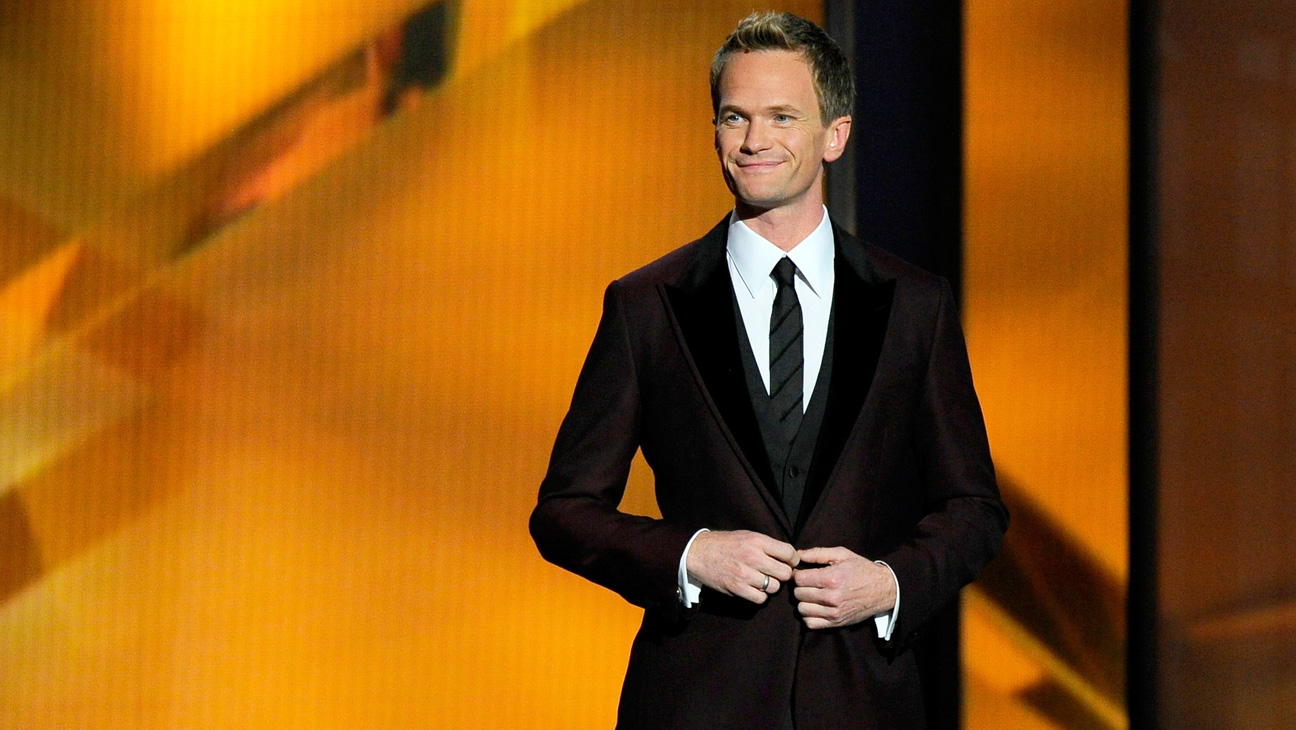 Neil Patrick Harris Hosting Emmy Awards 2013 - H 2014
