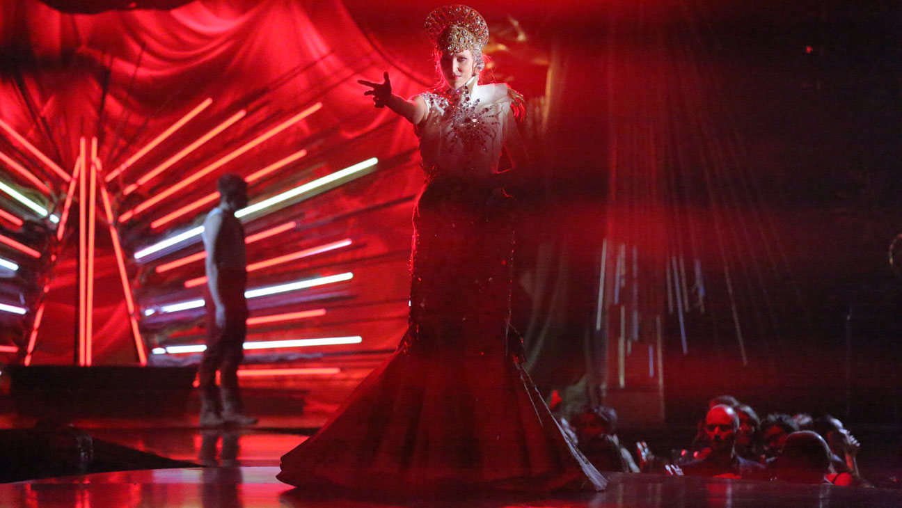 Queen of the Night Still - H 2014