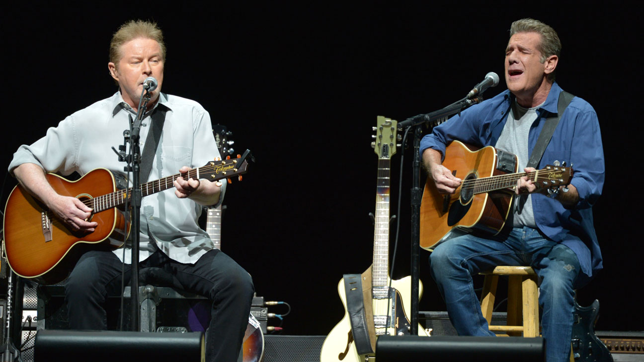 The Eagles Performing at The Forum - H 2014