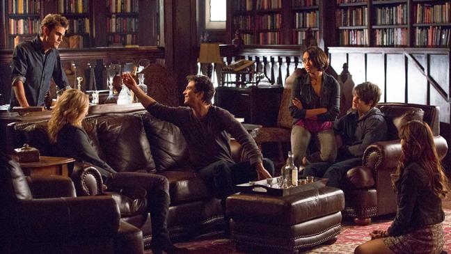 Vampire Diaries 100th Group Still - H 2014