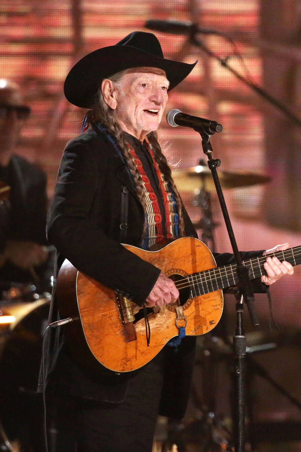 Willie Nelson Performing at Grammys - P 2014
