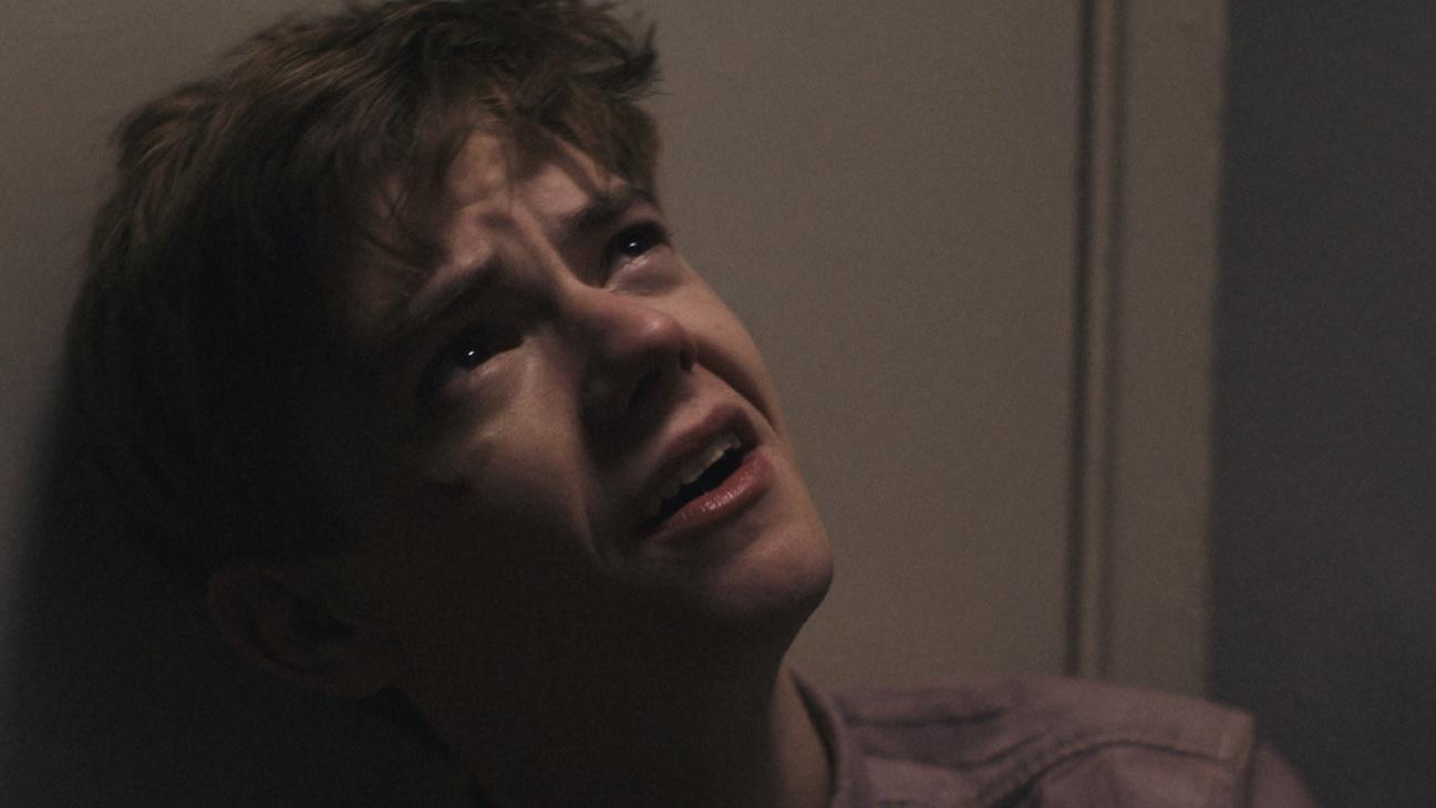 Thomas Sangster music video H