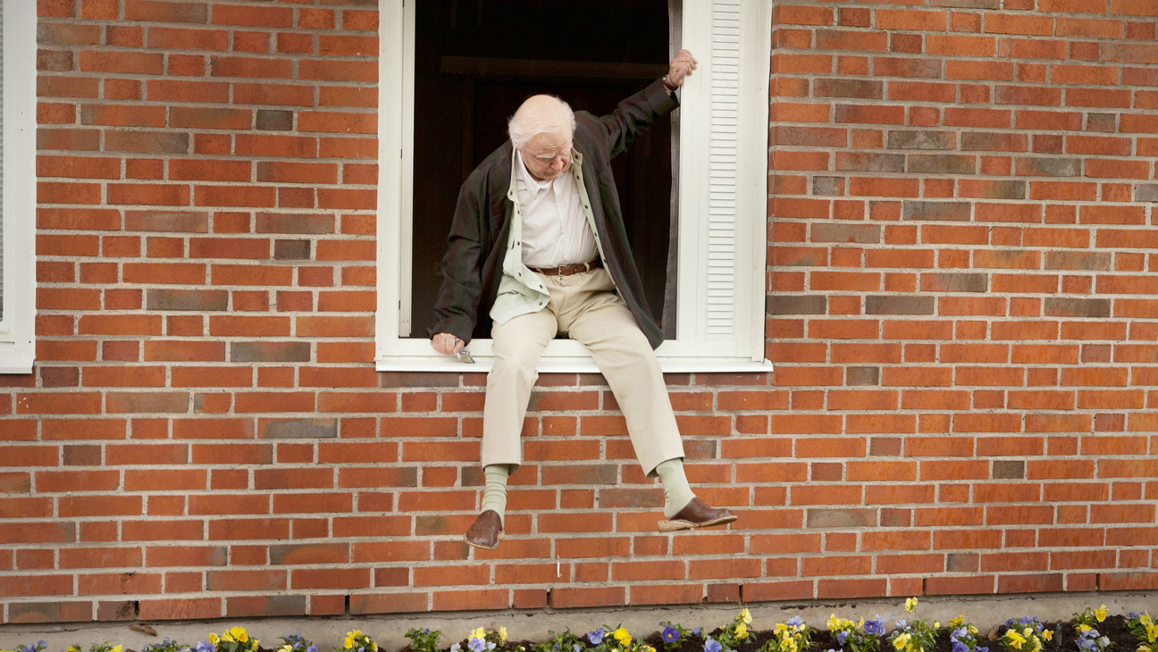The 100-Year-Old Man Who Climbed Out the Window and Disappeared Berlin - H 2014