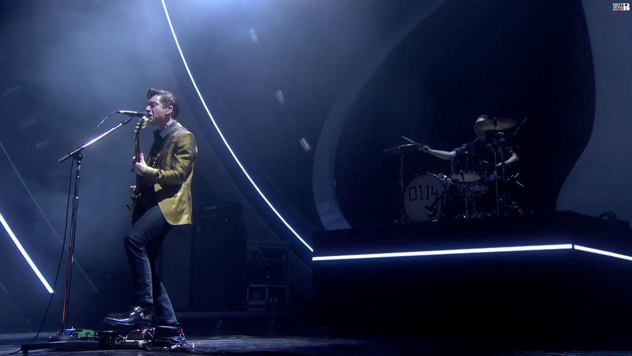 Arctic Monkeys Brit Awards - H 2014