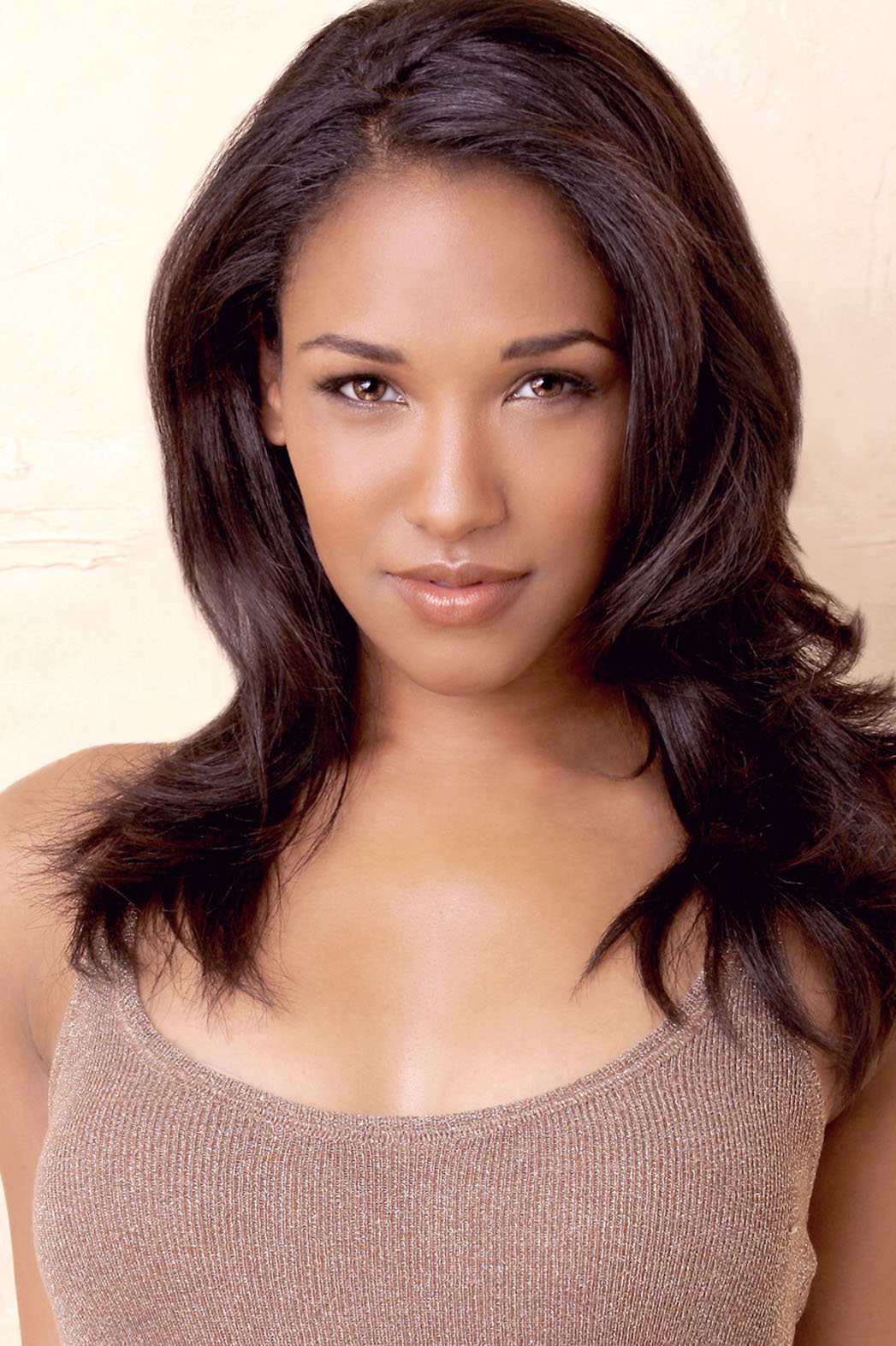 Cw S Flash Casts Female Lead Hollywood Reporter