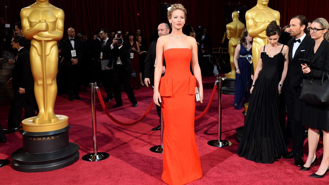Jennifer Lawrence Oscars Arrivals - H 2014