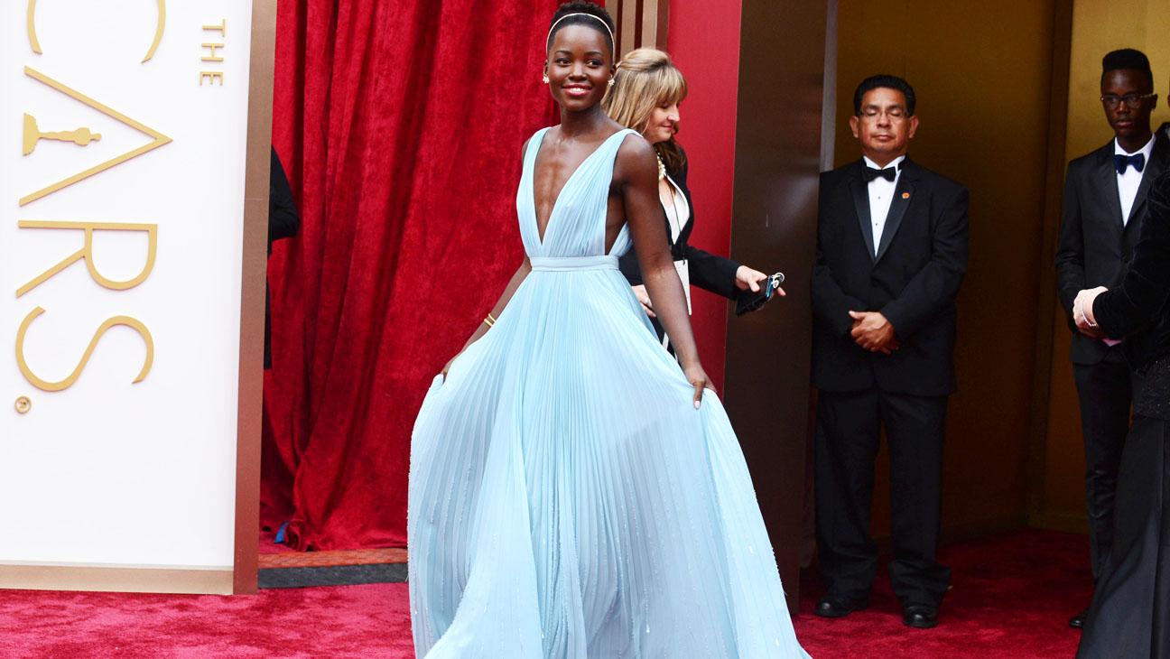 Lupita Nyong'o Oscars Arrivals - H 2014