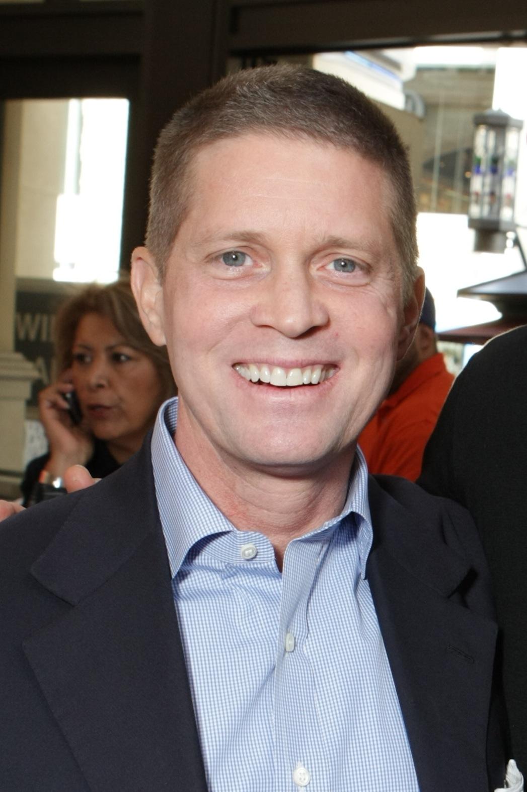 Robert Simonds - P