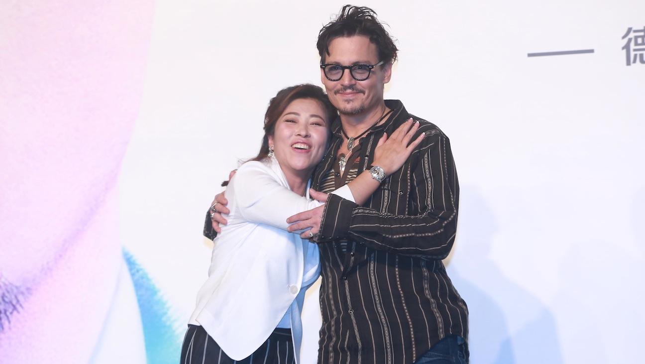 Johnny Depp in China - H 2014