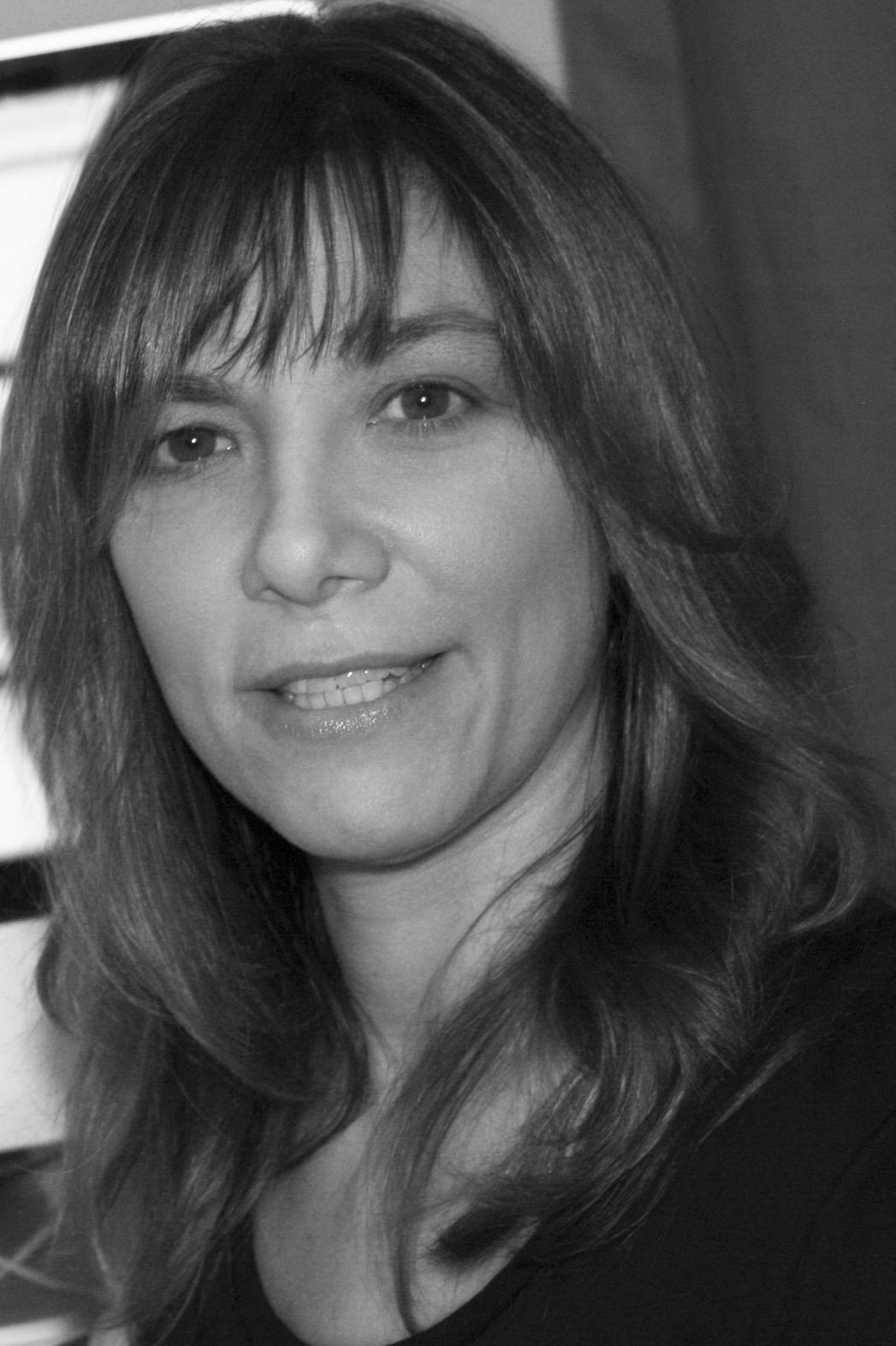 Betsy Schechter Headshot - P 2014