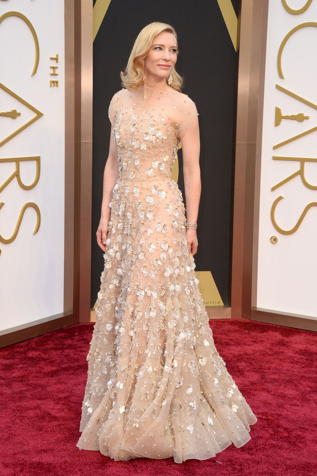Oscars Fashion Cate Blanchett Wears Gold Armani Prive Hollywood Reporter