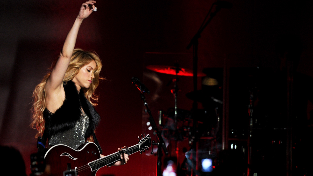 iHeartRadio Shakira Performing - H 2014