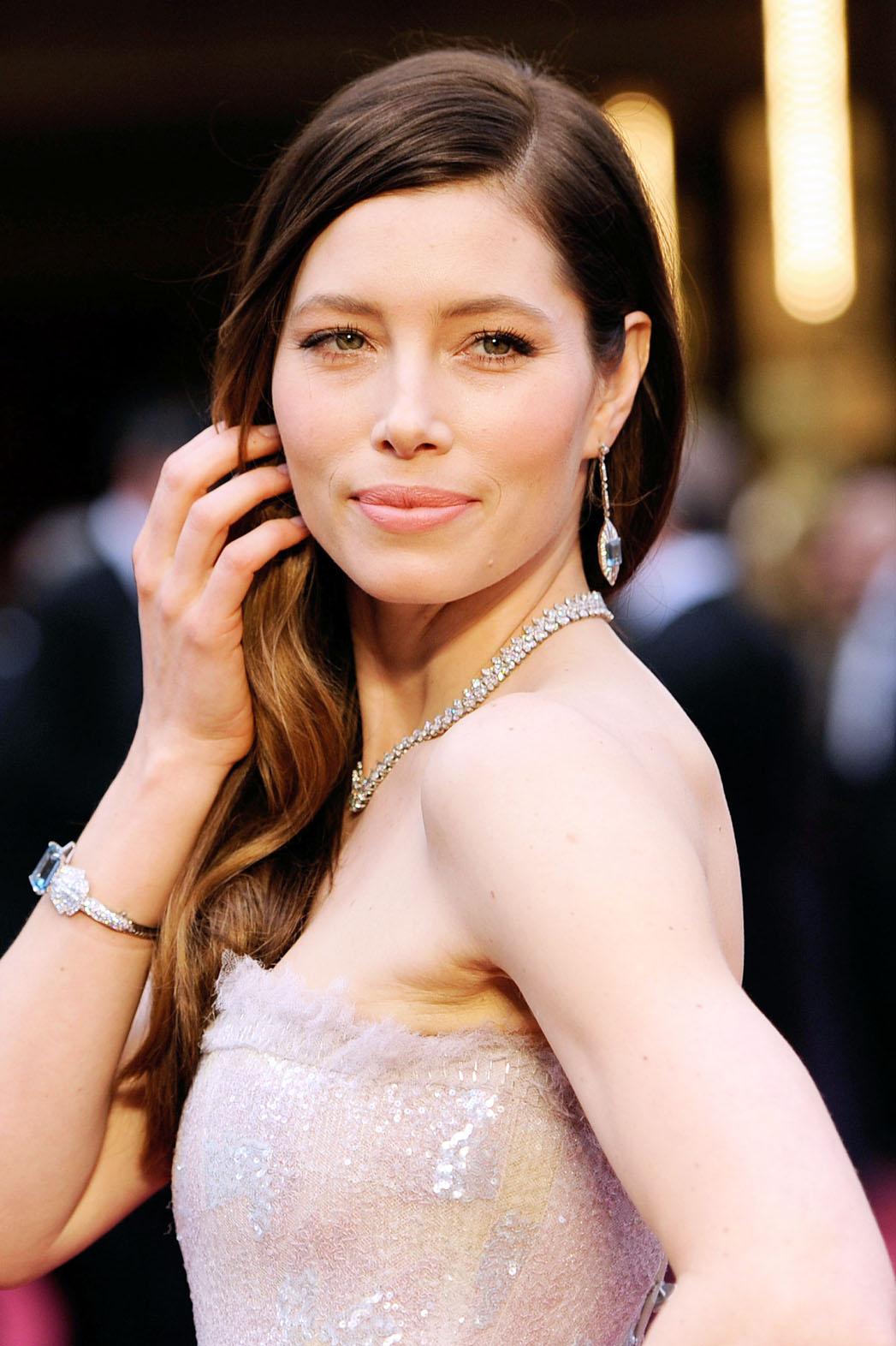 Jessica Biel Oscars Arrivals Close Up - P 2014