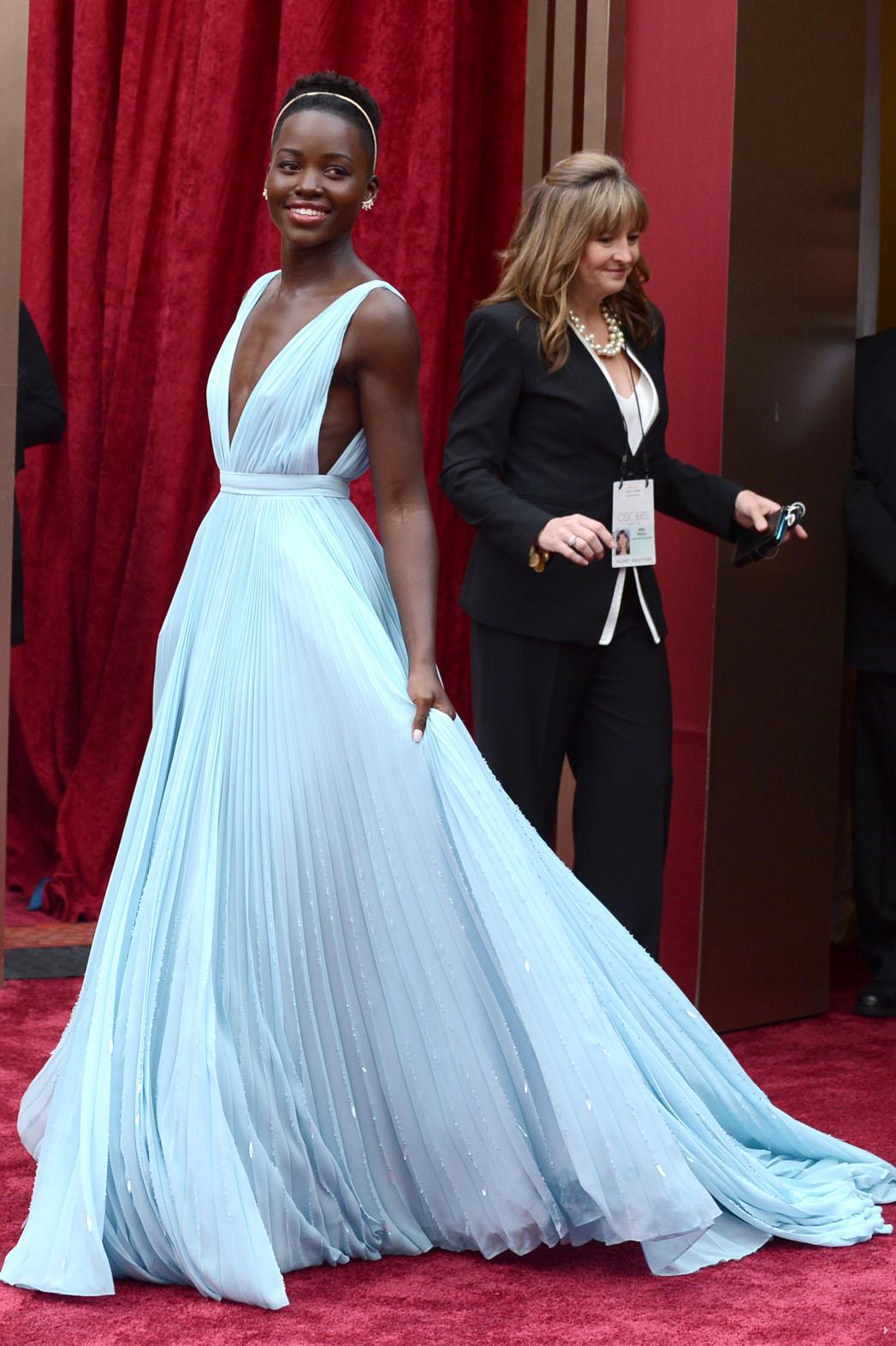 Lupita Nyong'o Oscars Red Carpet - P 2014