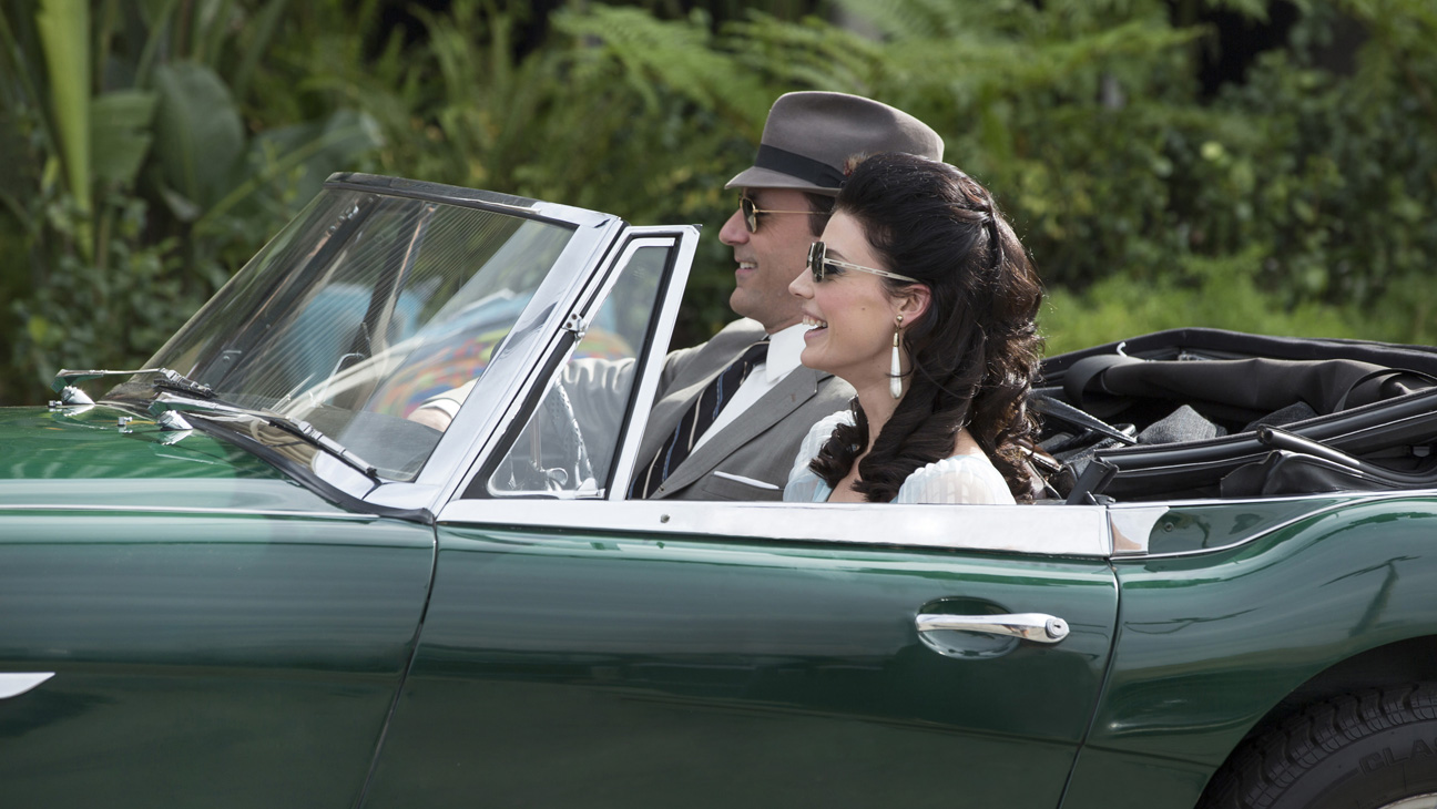 Mad Men S7 EP1 Hamm Pare in Car - H 2014