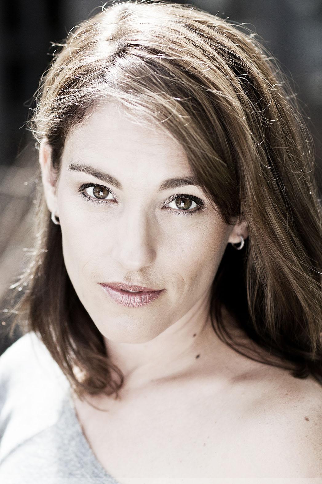 Amy Jo Johnson Headshot - P 2014