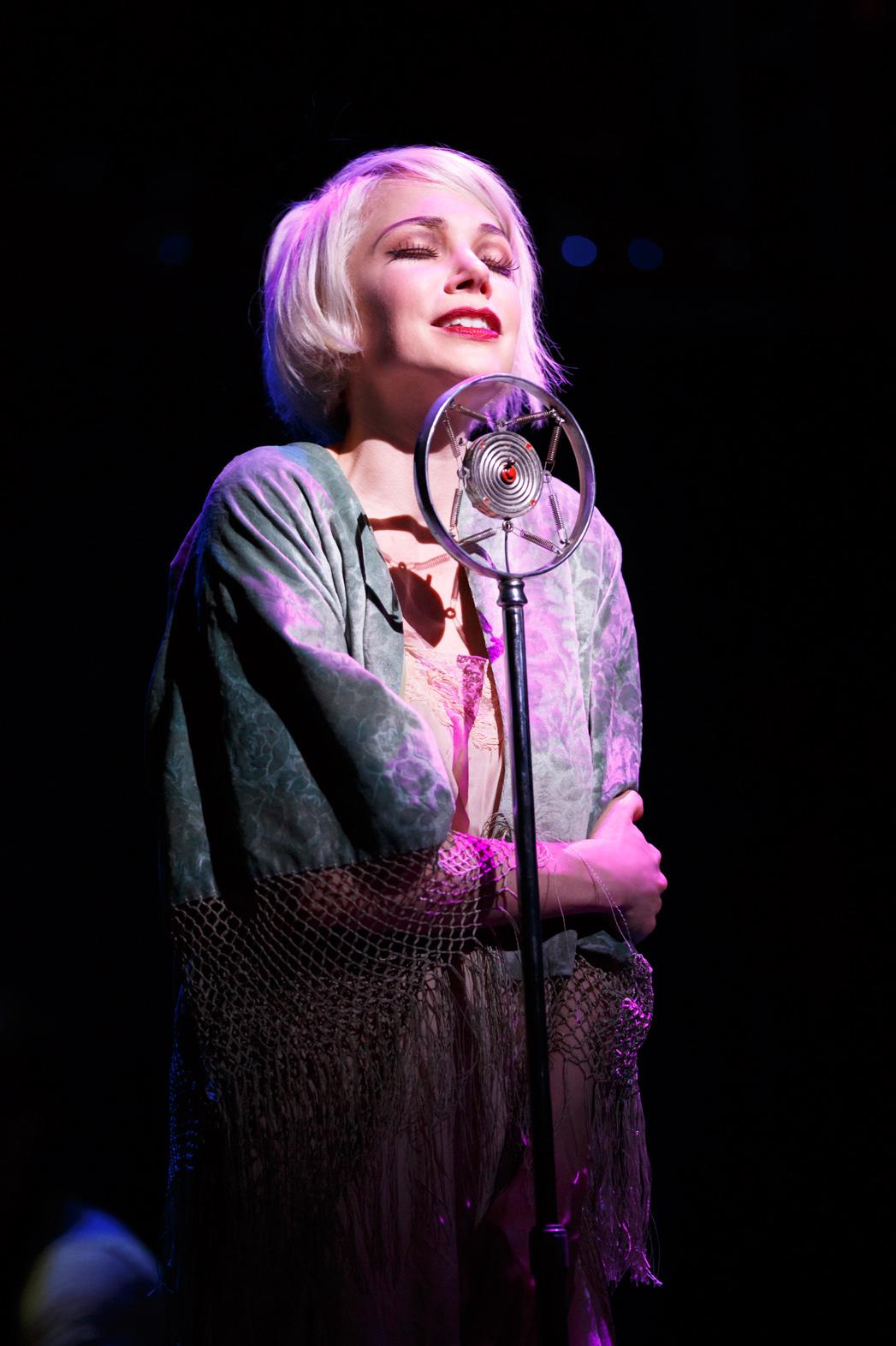 Michelle Williams in Cabaret - P 2014