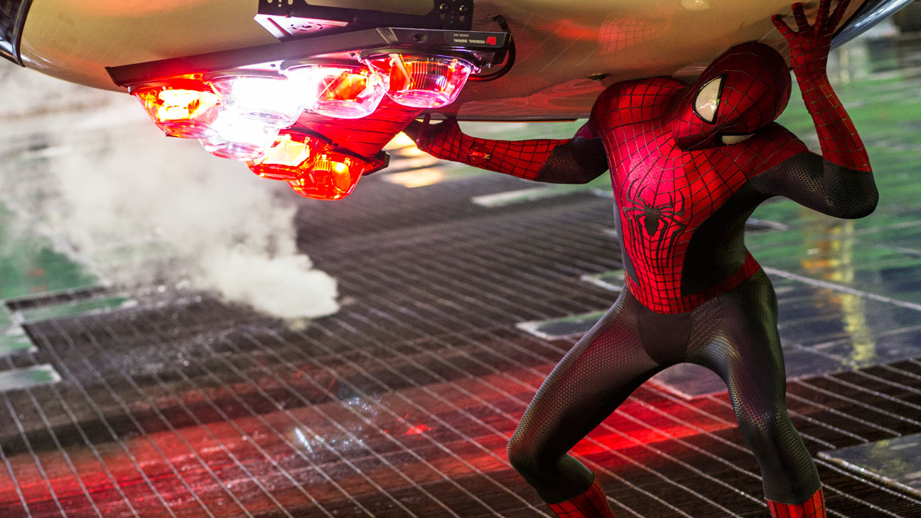 The Amazing Spider-Man 2 Garfield Lifting Car - H 2014