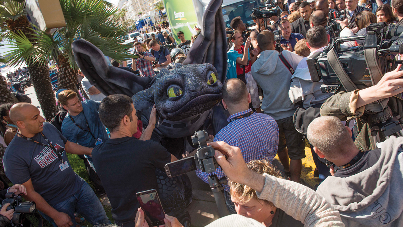 How to Train Your Dragon Stunt in Cannes - H 2014