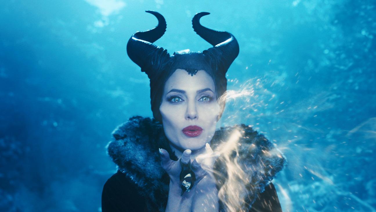 Maleficent Angelina Jolie Smoke - H 2014