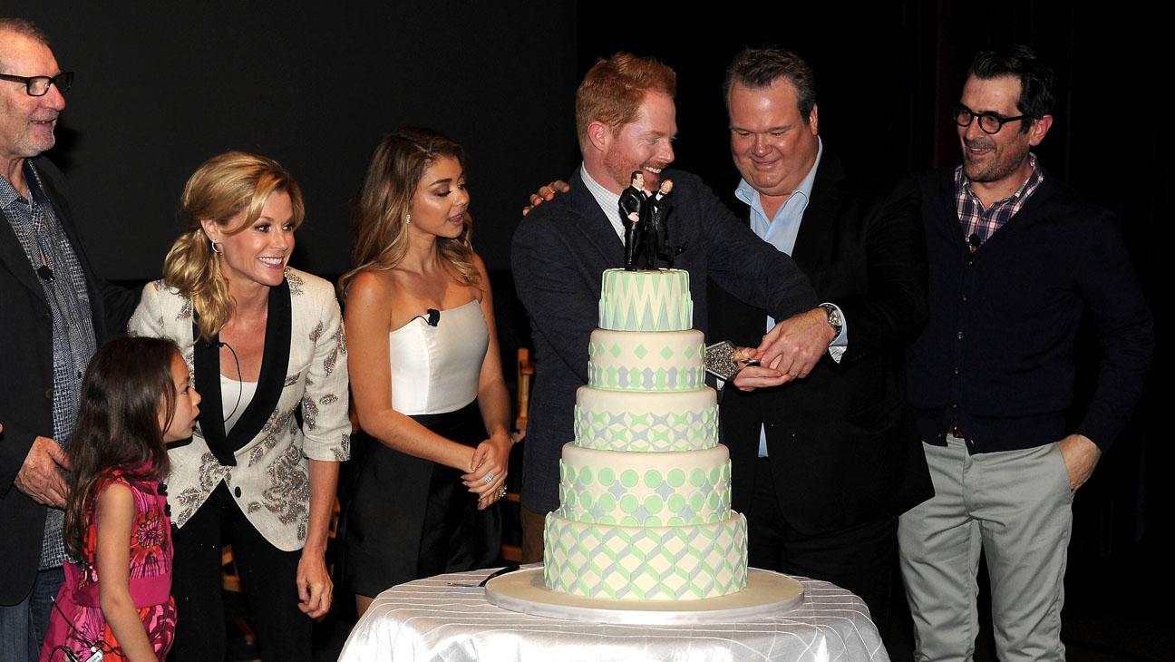 Modern Family Cake - H 2014