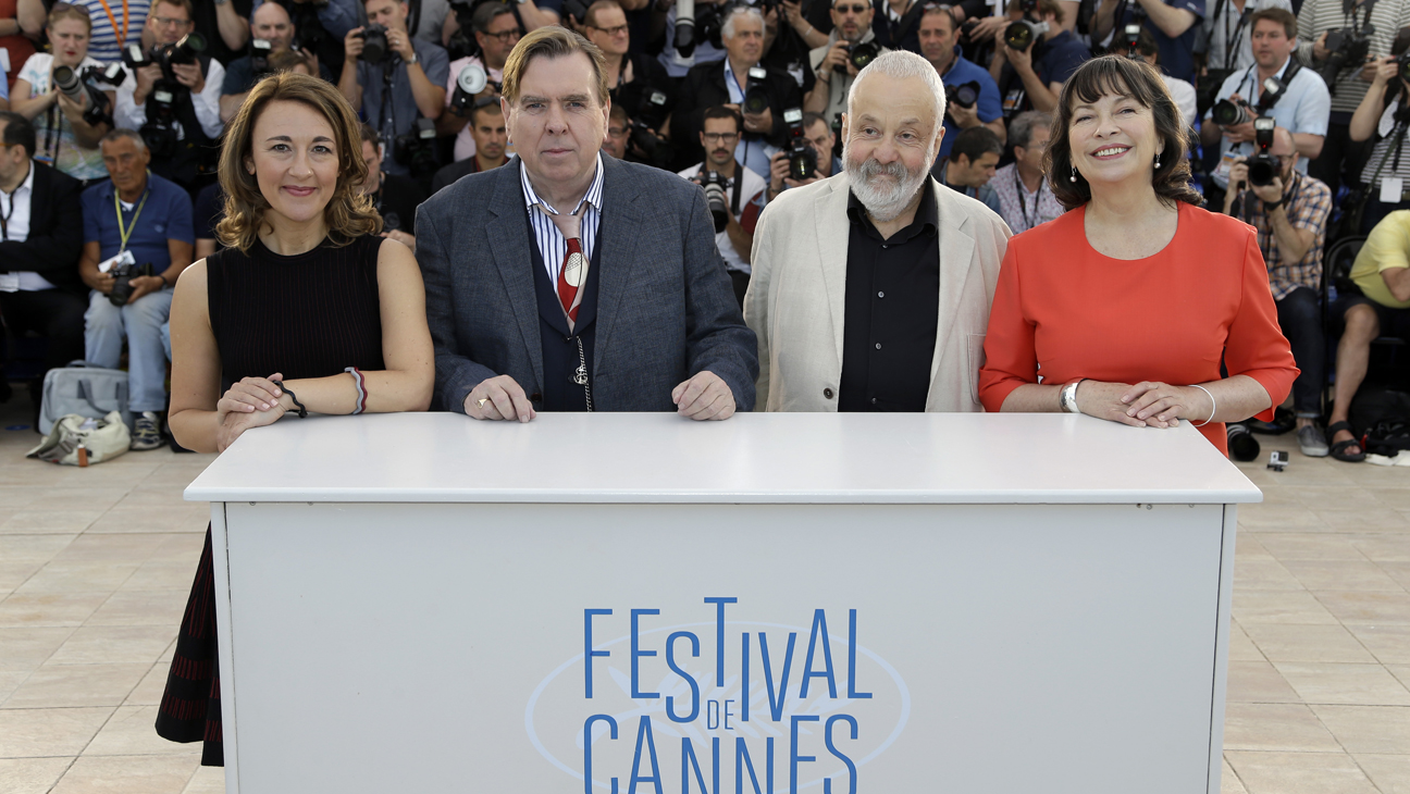 Mr. Turner Cast Photo Call Cannes - H 2014
