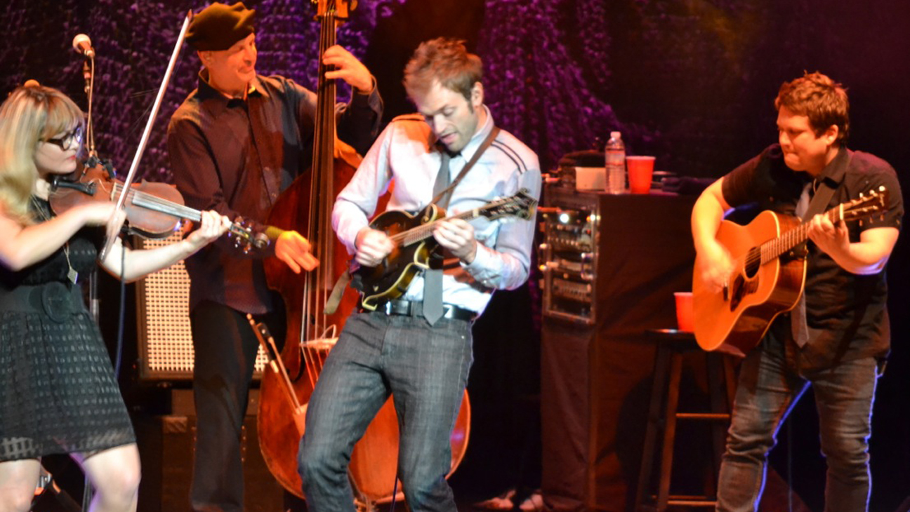 Nickel Creek Performing - H 2014