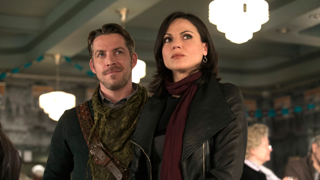 Once Upon a Time S3 Finale Still Robin Hood Regina - H 2014
