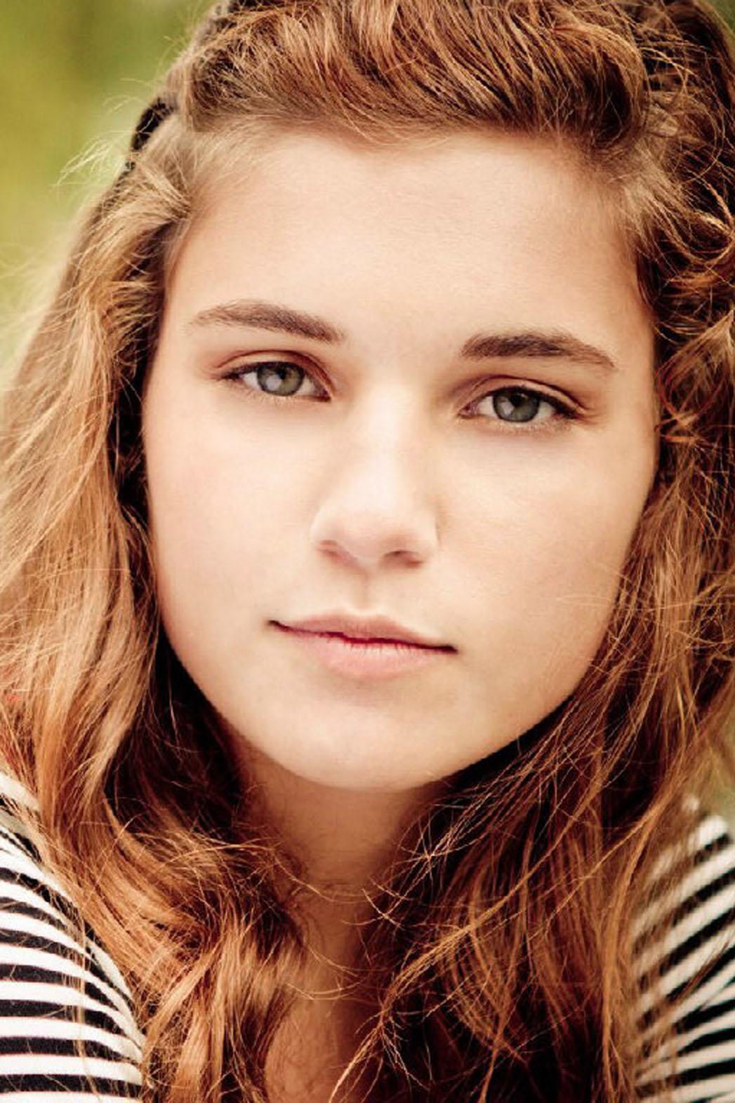 Paige Mckenzie - P 2014