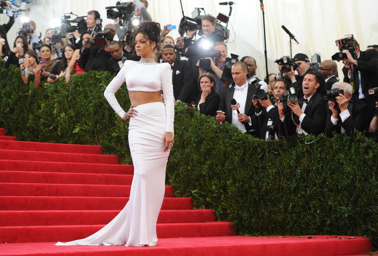Rihanna Met Gala Arrival - H 2014