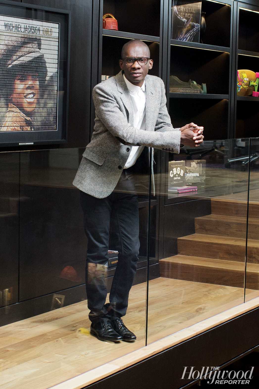 Issue 19 FEA TROY CARTER - P 2014
