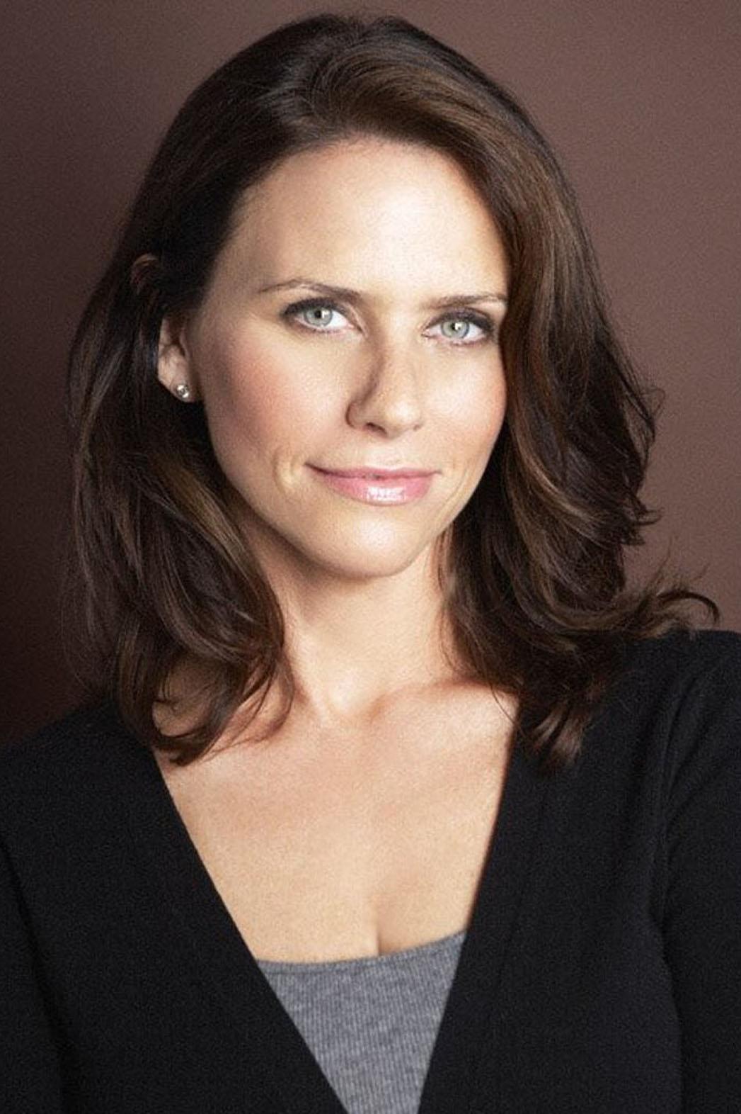 Amy Landecker Headshot - P 2014