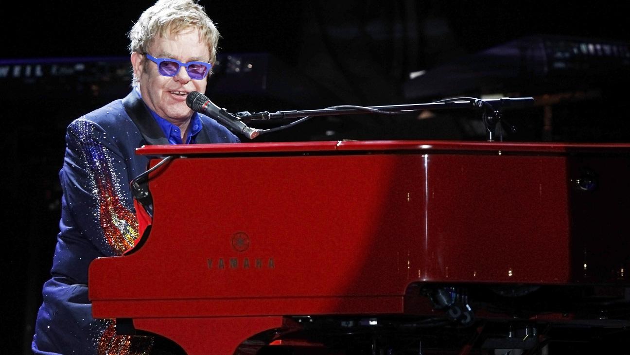 Elton John Performing Bonnaroo - H 2014