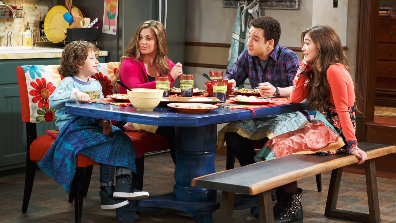 Girl Meets World Episodic Family at Table - H 2014