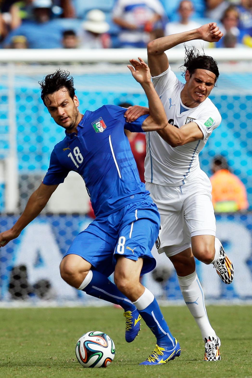 Sky Italia Mediaset Strike Deal To Broadcast Serie A Soccer In 2015 Hollywood Reporter