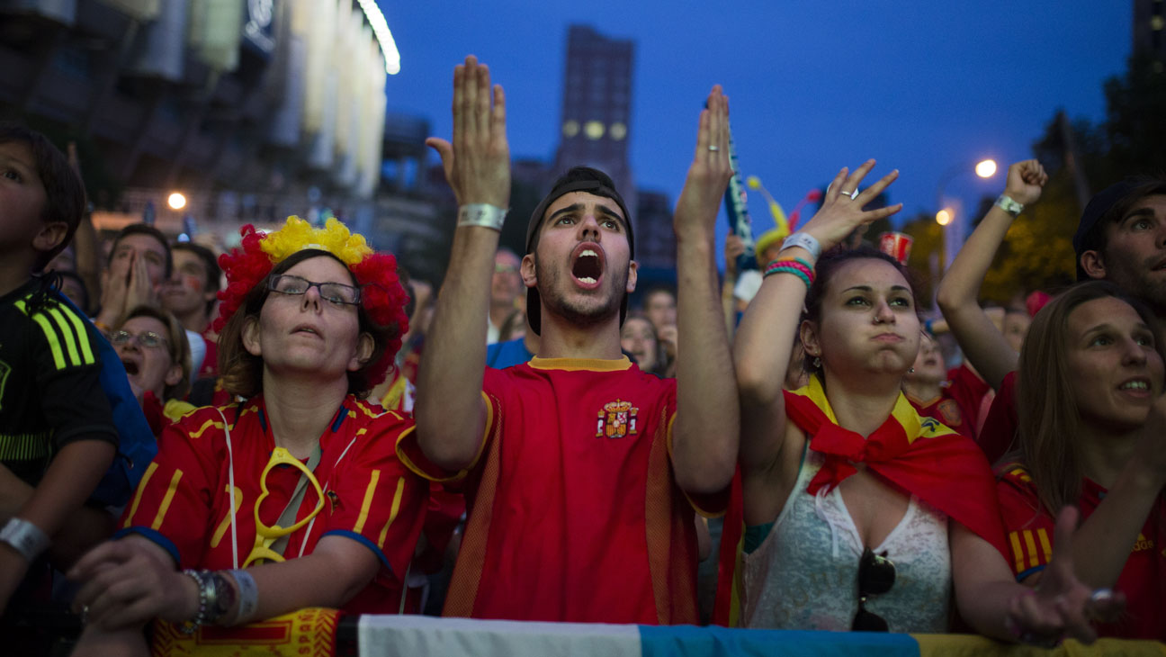 Mad Spain vs. Chile World Cup Fans - H 2014