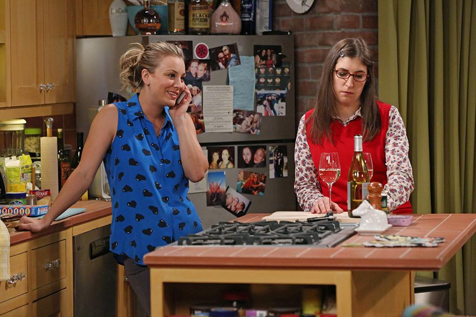 Kaley Cuoco Mayim Bialik Big Bang Theory - H 2014