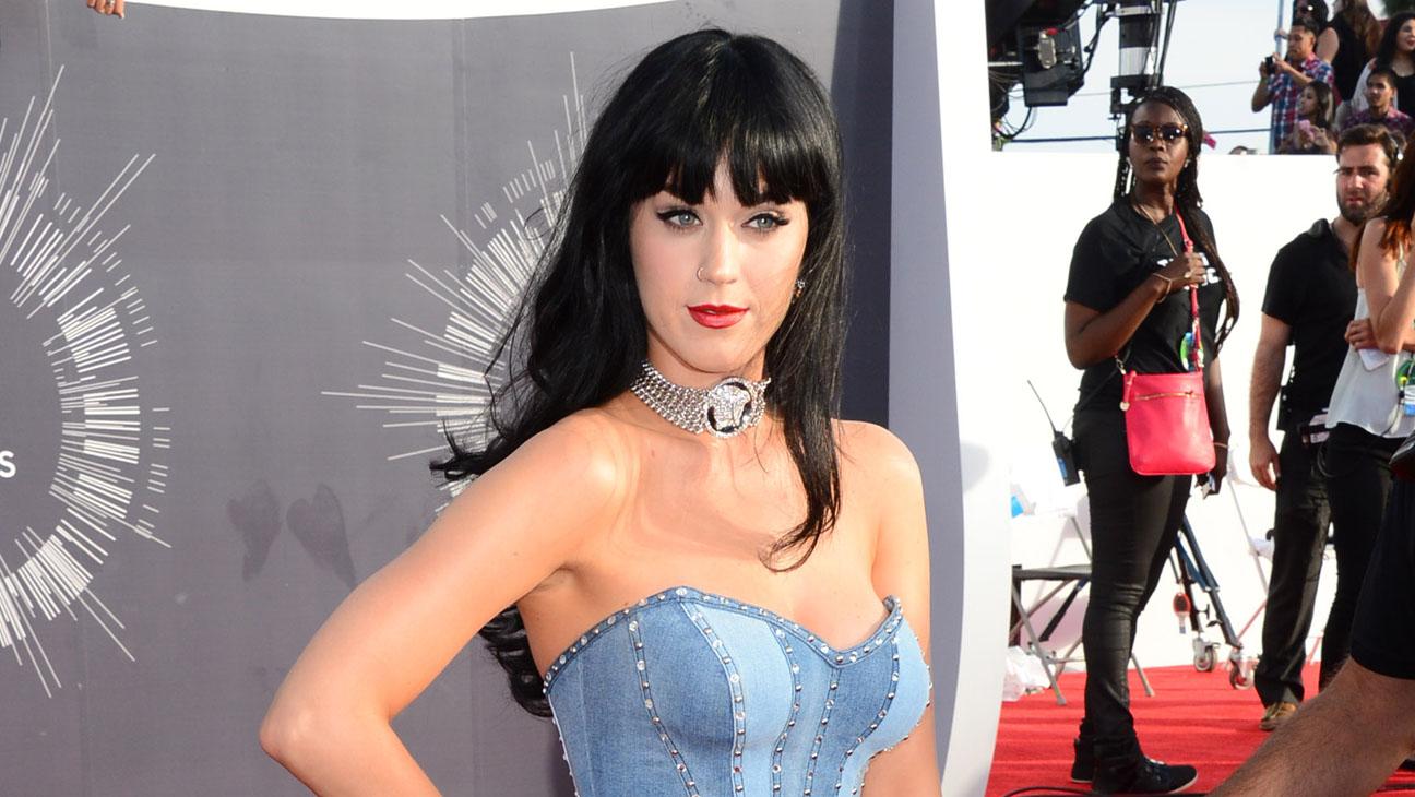 Katy Perry Horizontal Red Carpet VMAs - H 2014