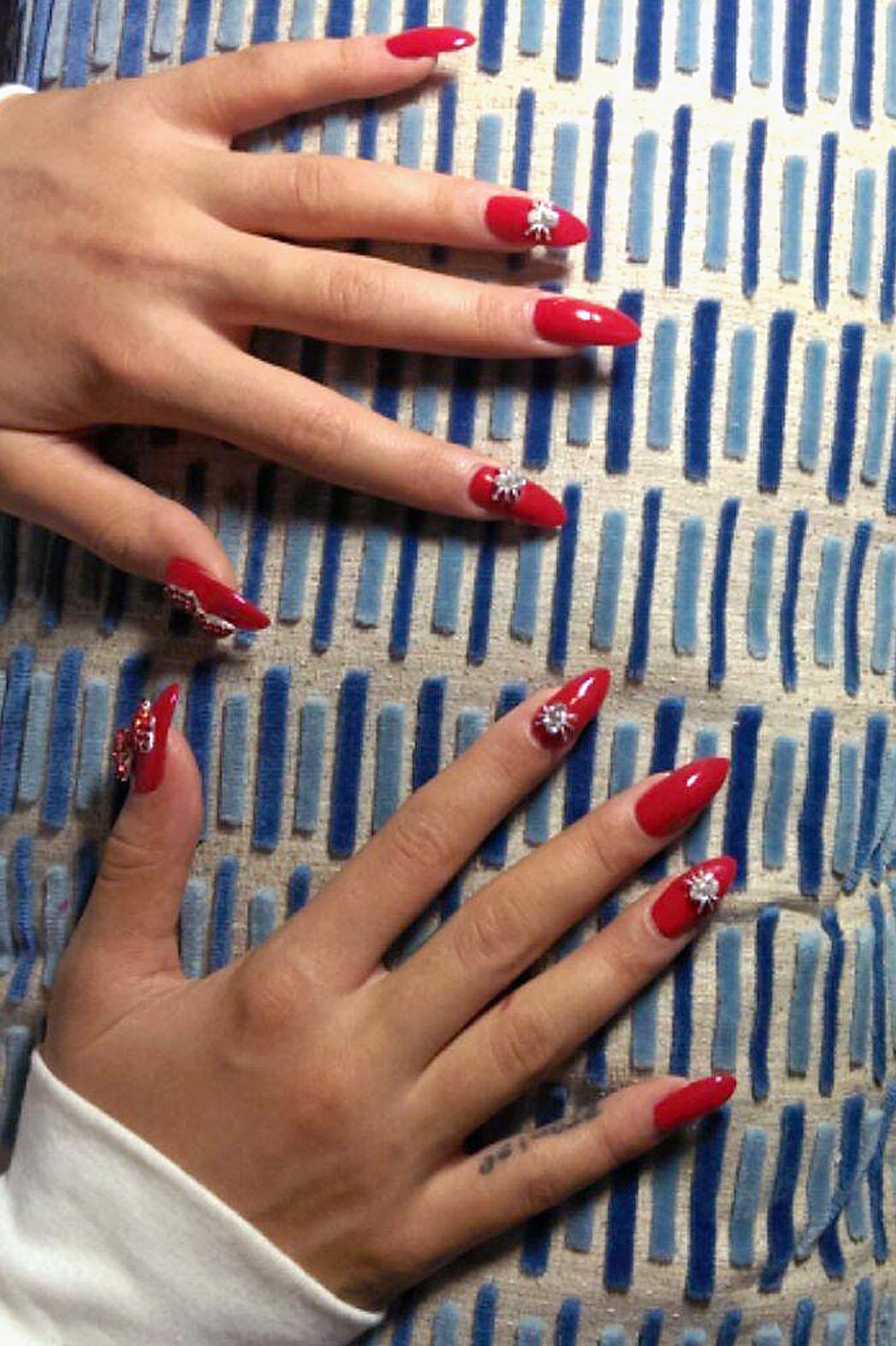 Rita Ora Manicure - P 2014