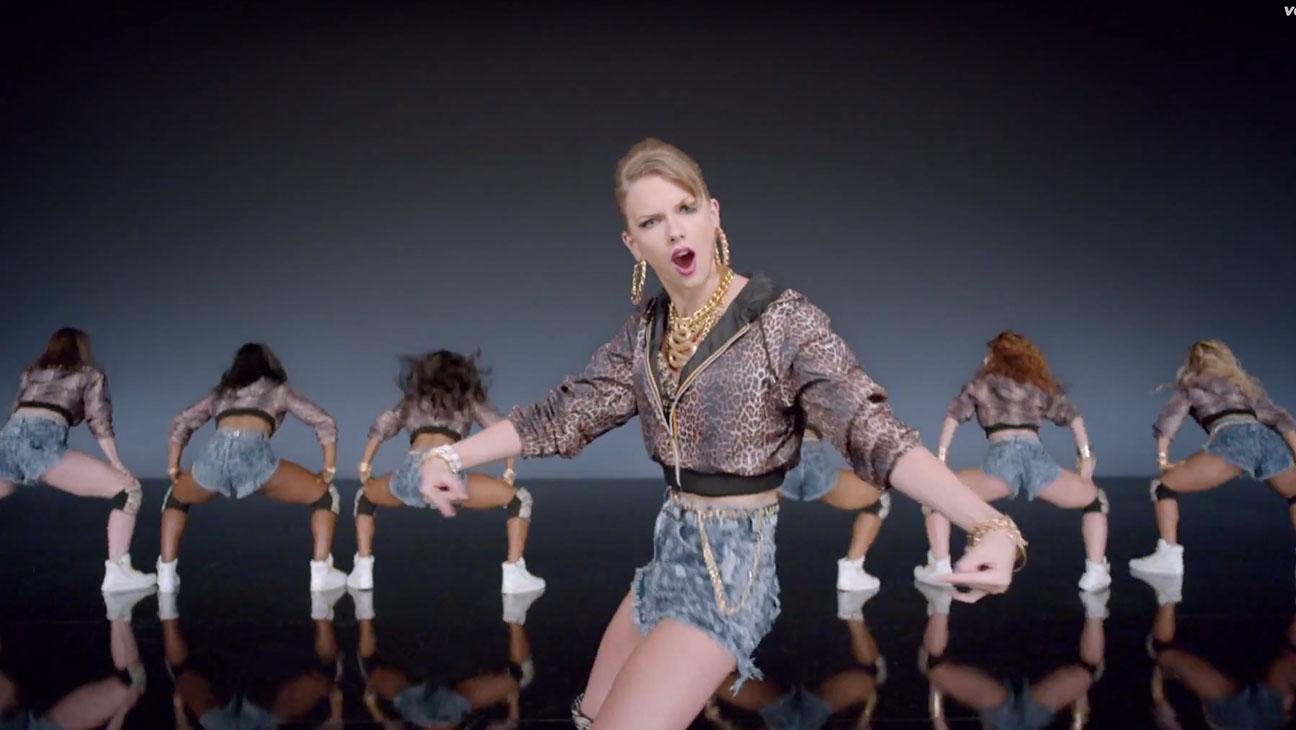 Taylor Swift Shake it Off Still - H 2014