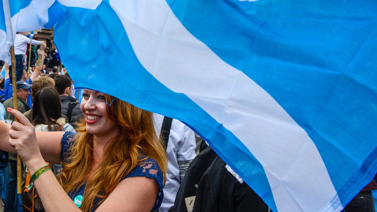 Scotland Woman and Flag - H 2014