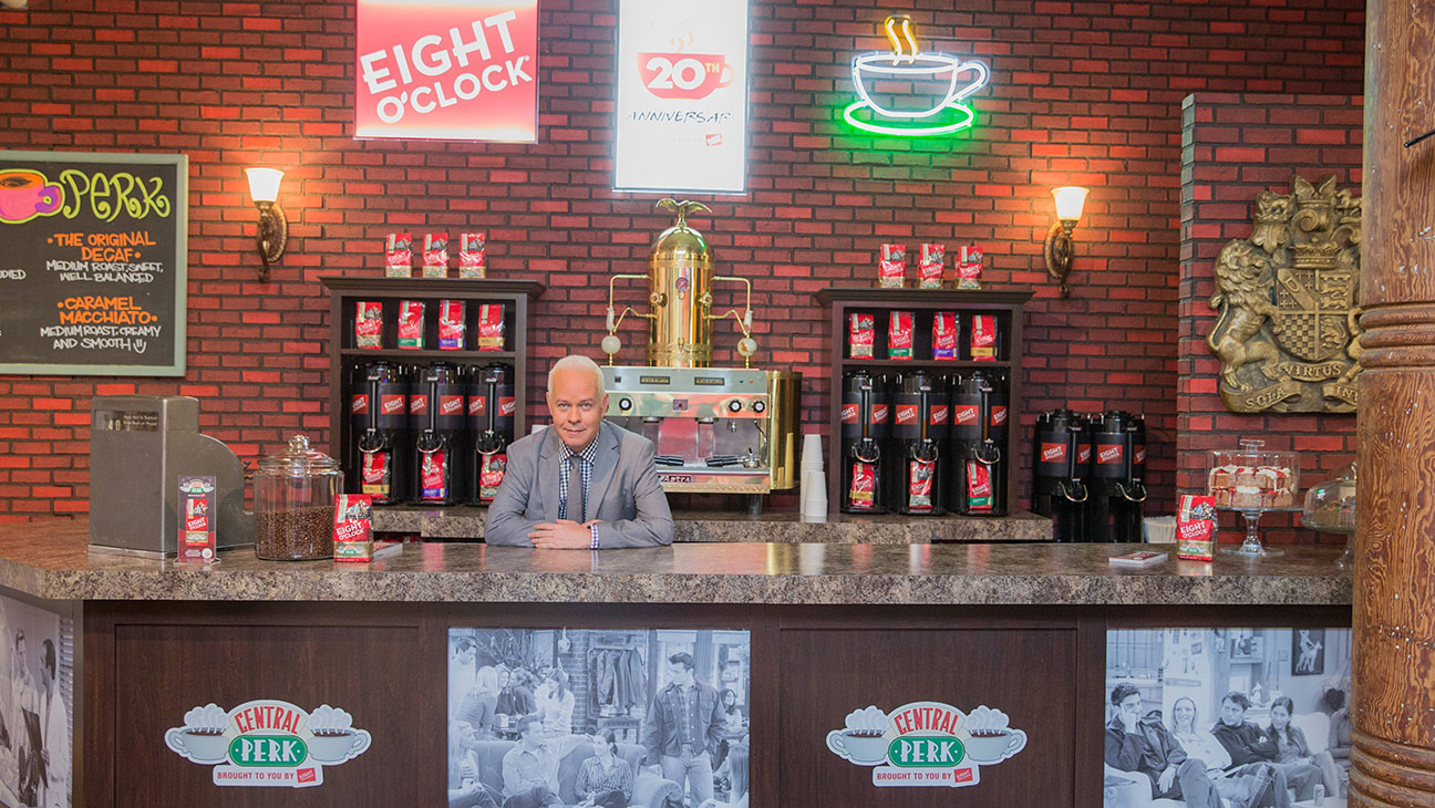 Central Perk Popup - H 2014
