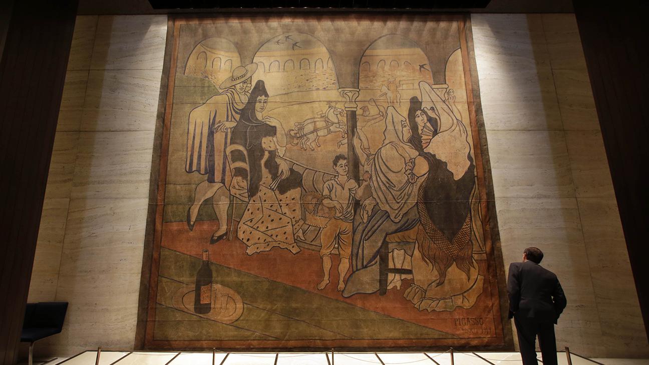 Four Seasons Picasso Le Tricorne H 2014