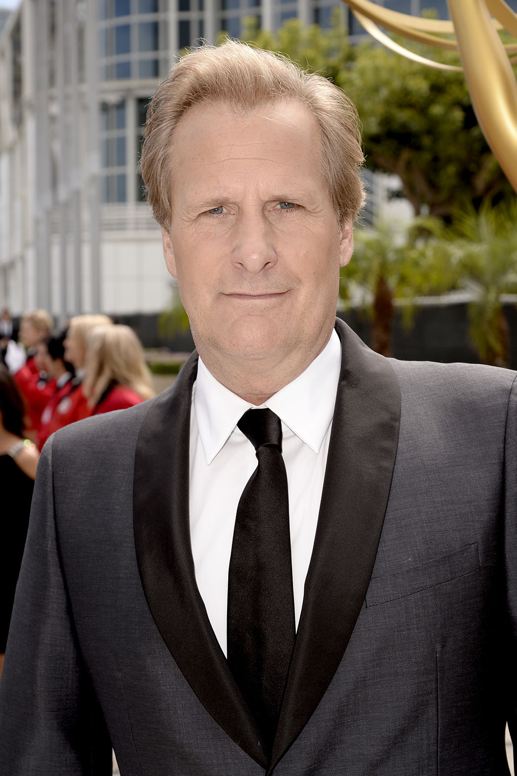Jeff Daniels Emmys Limo Drop - P 2014