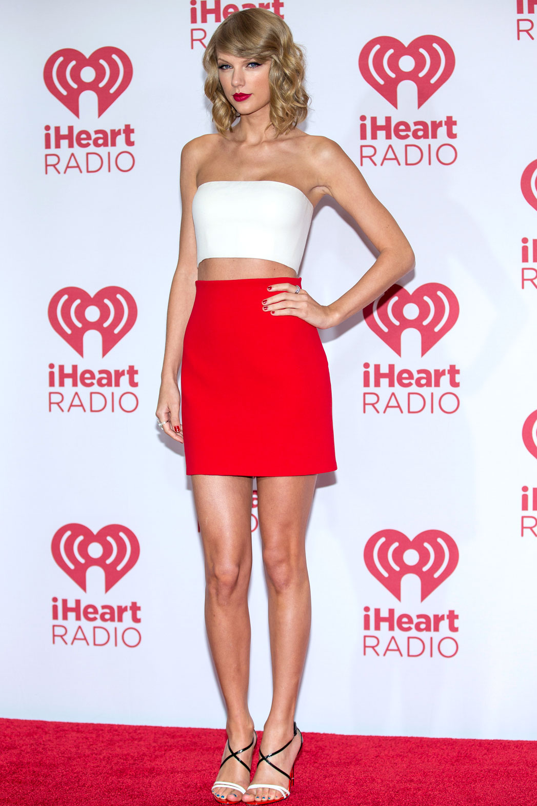 10 Taylor Swift Red Carpet Hits We Love Hollywood Reporter