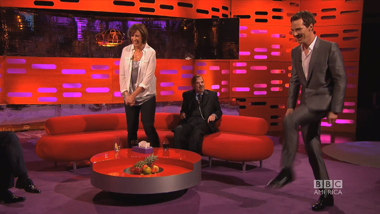 Benedict Cumberbatch does Beyonce's 'Crazy in Love' Walk - H 2014
