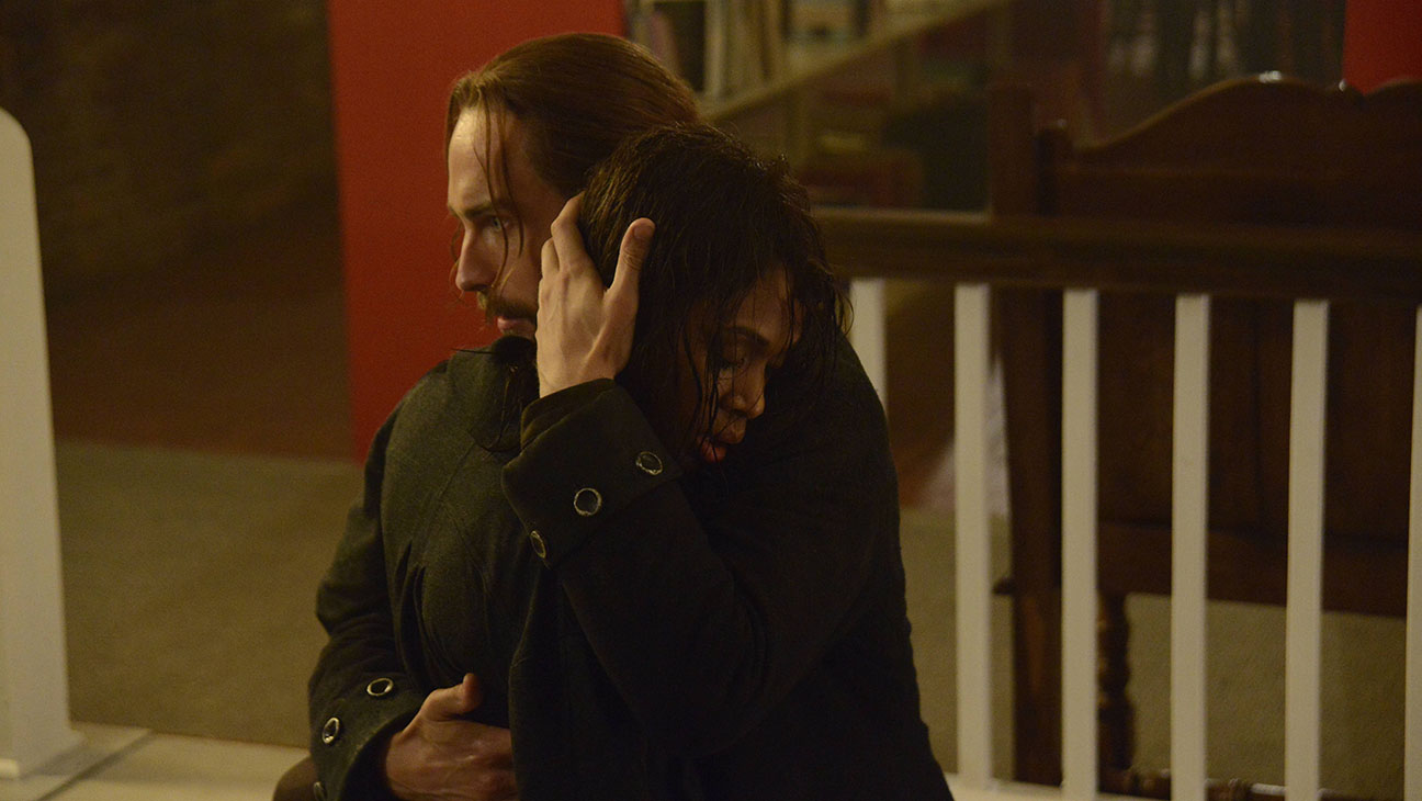 Sleepy Hollow S02E05 Consoling Still - H 2014
