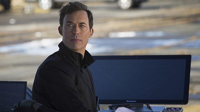 The Flash S01E01 Harrison Wells Still - H 2014