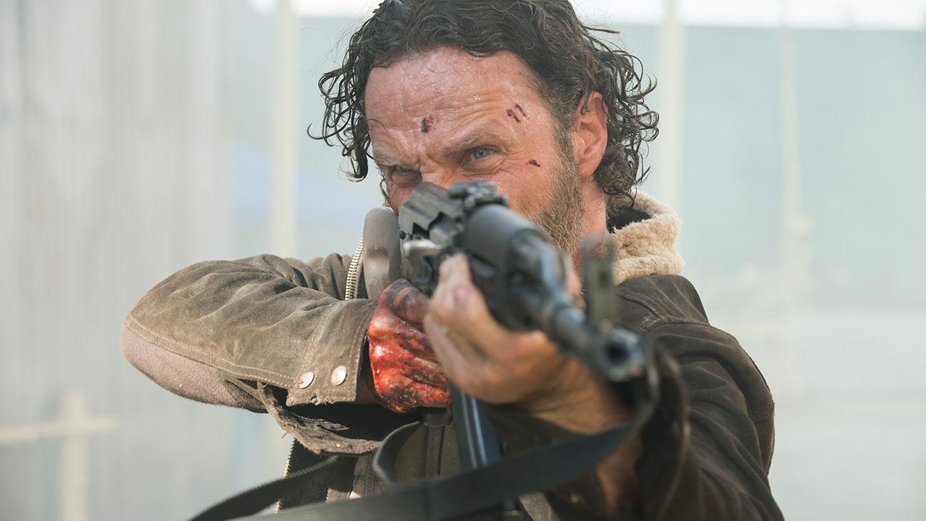 The Walking Dead S05E01 AK Still - H 2014